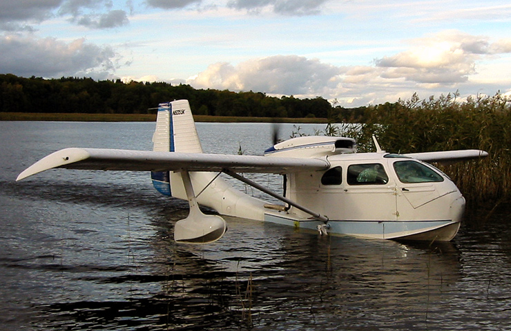 N6055K (Photo: Len-Erik Aaslund 03 October 2002)
